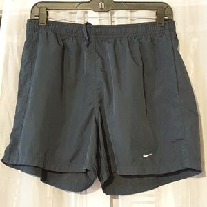 Nike short for women size M (R)